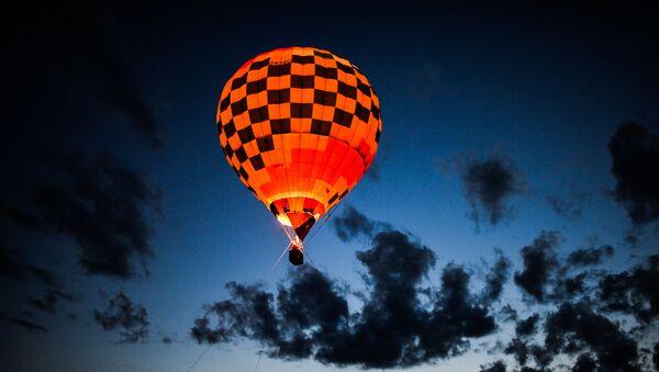 Una mongolfiera in volo - Sputnik Italia