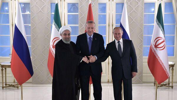 L'incontro tra Vladimir Putin, Recep Erdogan e Hassan Rouhani - Sputnik Italia