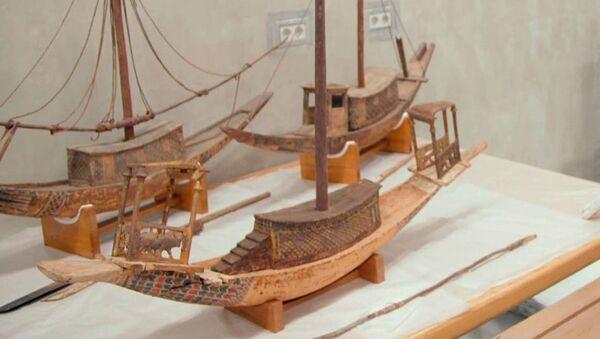 Modelli delle barche che venivano messe nella tomba del faraone Tutankhamon - Sputnik Italia