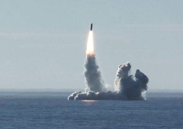 Lancio del missile Bulava