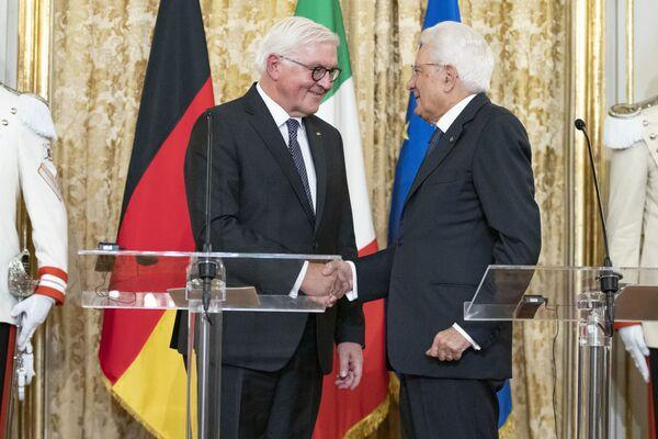 Il Presidente della Repubblica, Sergio Mattarella, con il Presidente della Repubblica Federale di Germania, Frank-Walter Steinmeier, in Visita di Stato, durante le dichiarazioni alla stampa. - Sputnik Italia
