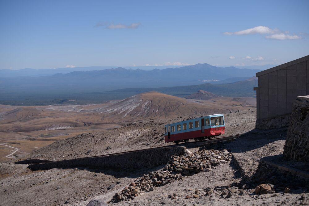 Ferrovia funicolare verso il monte Paektu, in Corea del Nord.