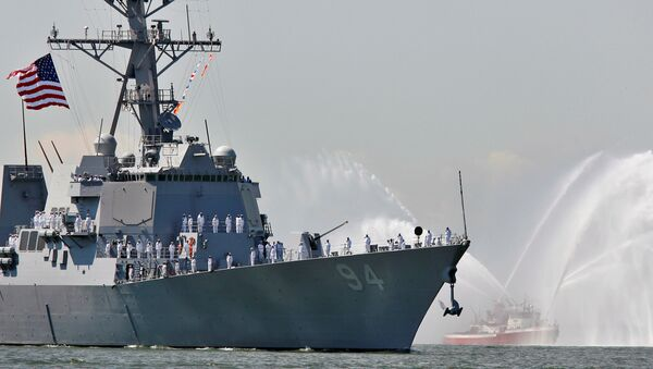 The USS Nitze, a Guided Missile Destroyer is pictured in New York Harbor, May 24, 2006 - Sputnik Italia