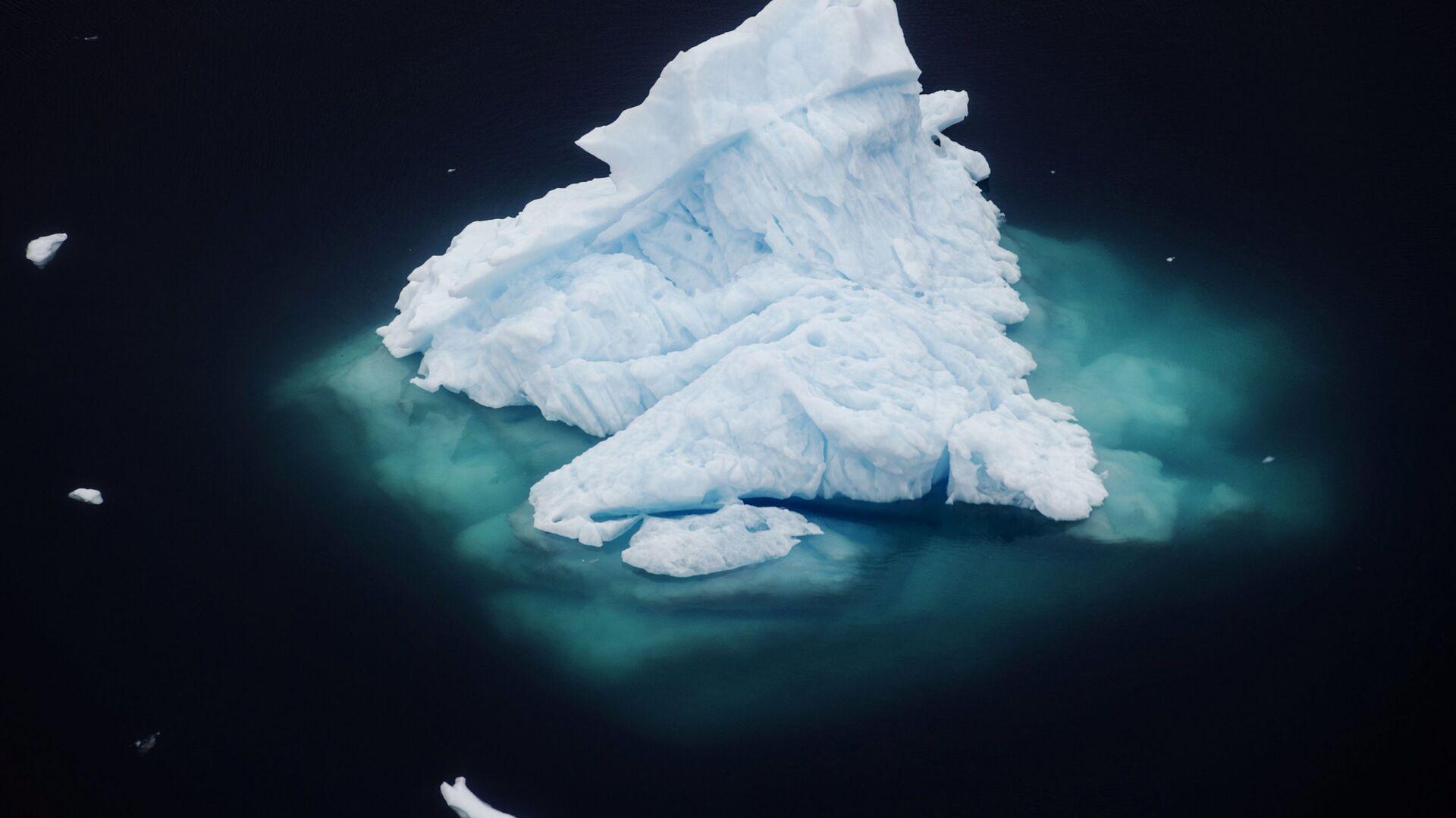 Un iceberg in Groenlandia - Sputnik Italia, 1920, 15.06.2021