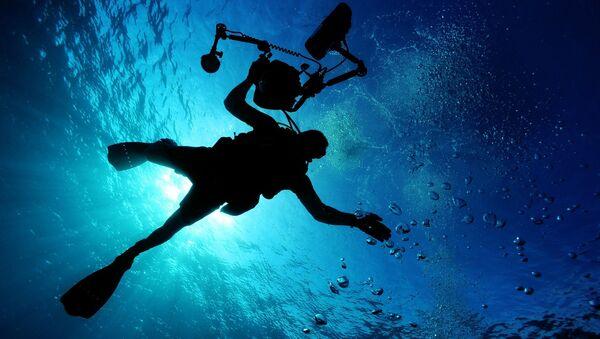 Under water - Sputnik Italia