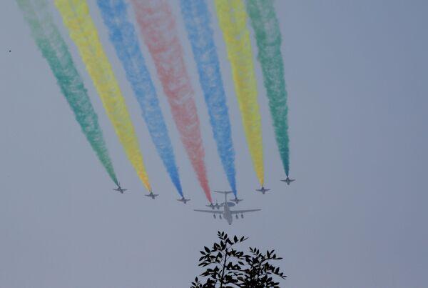 Aeronautica militare cinese alle prove della Parata. - Sputnik Italia