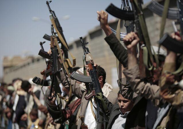 Tribù fedeli agli Huthi