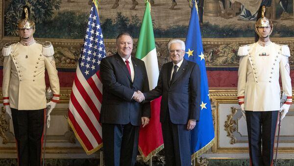 Il Presidente della Repubblica, Sergio Mattarella, ha ricevuto nel pomeriggio al Quirinale il Segretario di Stato degli Stati Uniti d'America, Michael Richard Pompeo. - Sputnik Italia