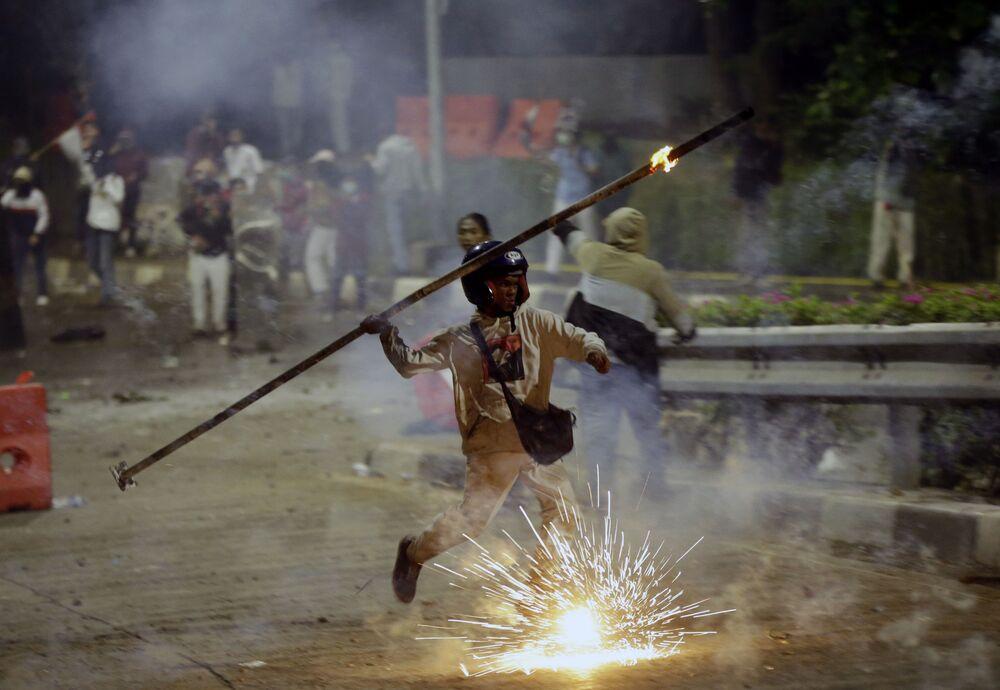 Oltre a Giacarta, le proteste si sono registrate in altre città come Bandung, Yogyakarta e Malang