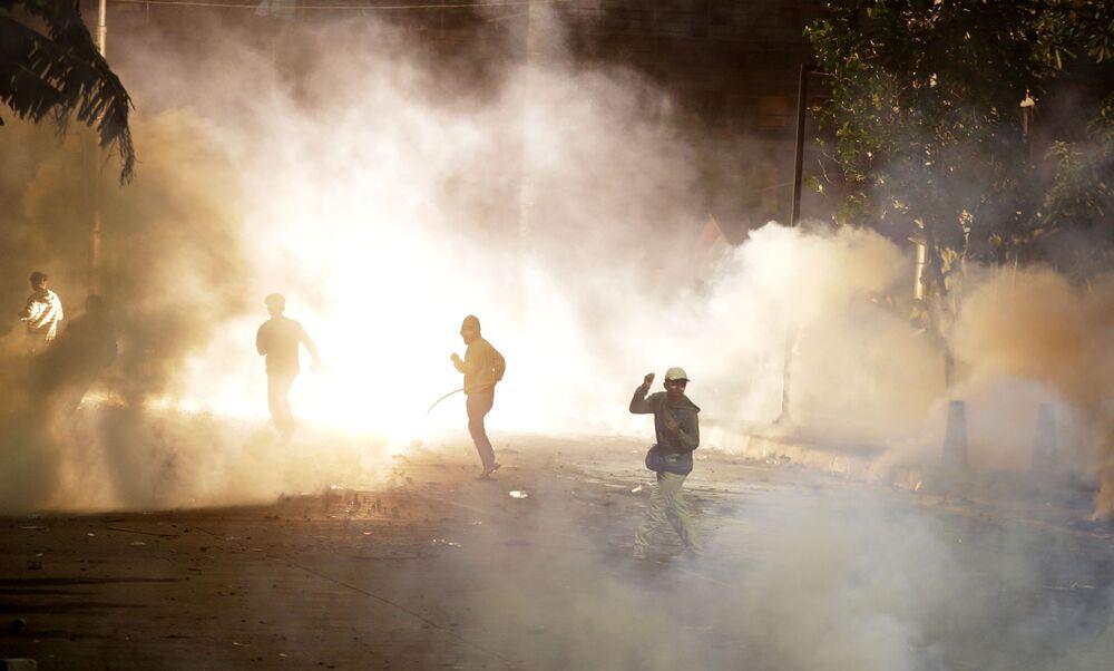Nonostante il gran numero di feriti, gli studenti sono intenzionati a proseguire le proteste