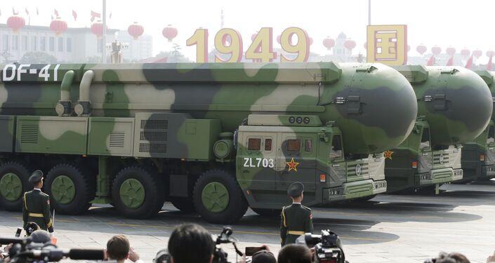 Il missile balistico DF-41 alla parata militare in Cina