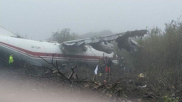 Un atterraggio d'emergenza di un aereo cargo Antonov An-12 nei pressi della città ucraina di Leopoli ha provocato almeno tre vittime. - Sputnik Italia