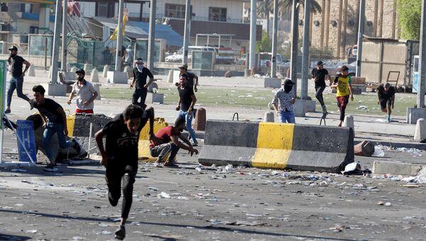 Proteste dei manifestanti in Iraq - Sputnik Italia