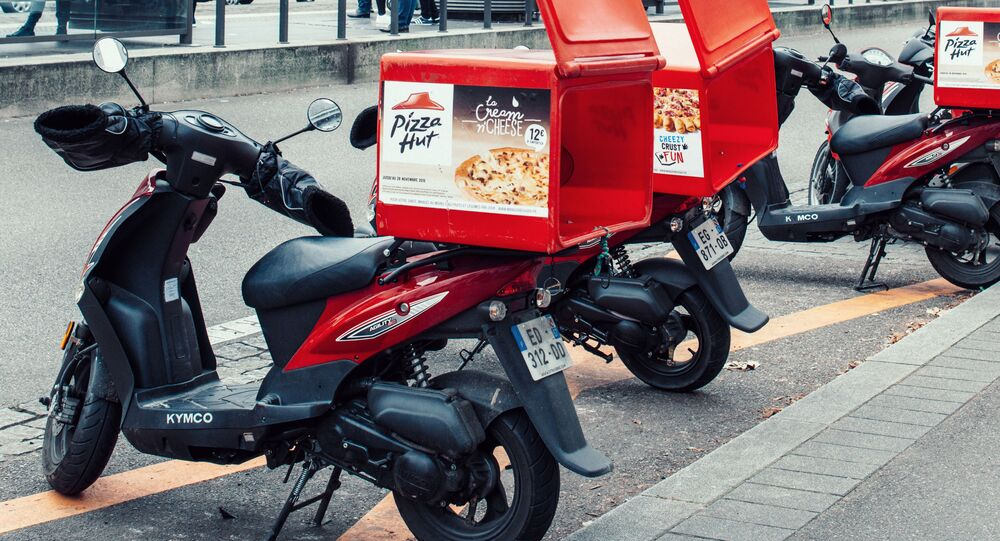 Scooter Pizza Hut