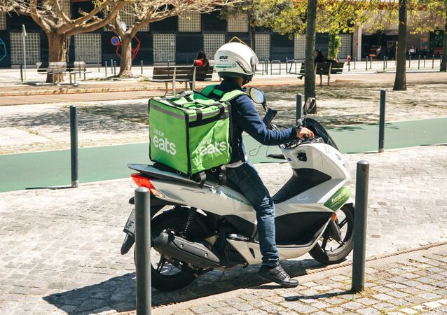 Scooter Uber Eats