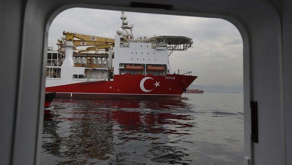 Una nave da perforazione Yavuz - Sputnik Italia