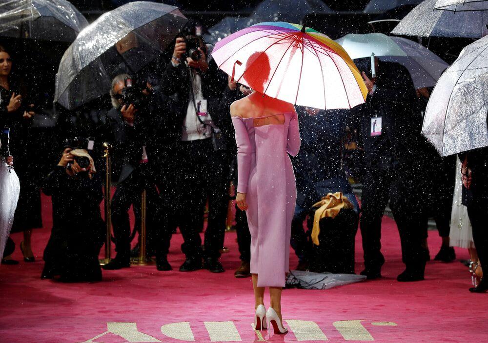 L'attrice Renèe Zellweger alla premiere di Judy a Londra.