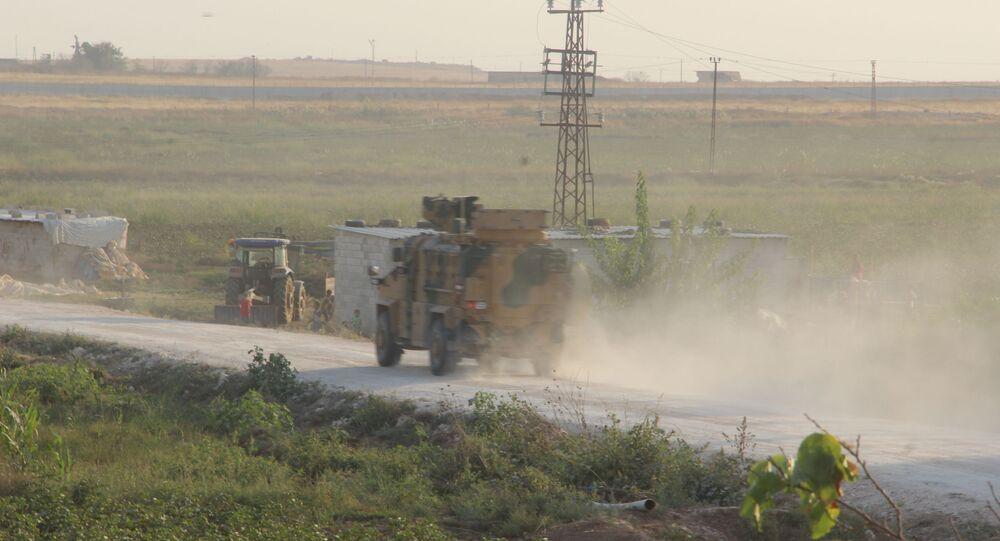 Il confine tra Siria e Turchia