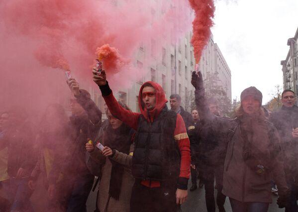 "Corteo di oppositori alla cosiddetta ""formula di Steinmeier"" a Kiev, Ucraina. - Sputnik Italia"