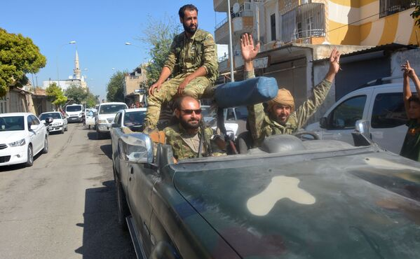 Militari al confine turco-siriano. - Sputnik Italia