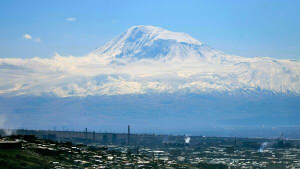 Veduta di Yerevan e del monte Ararat - Sputnik Italia