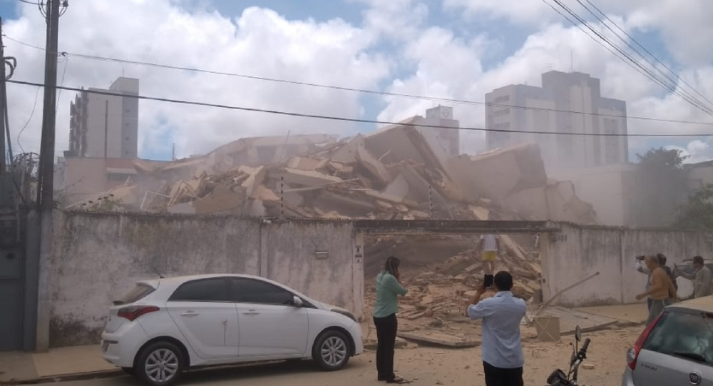 Crollo dell'edificio residenziale in Brasile