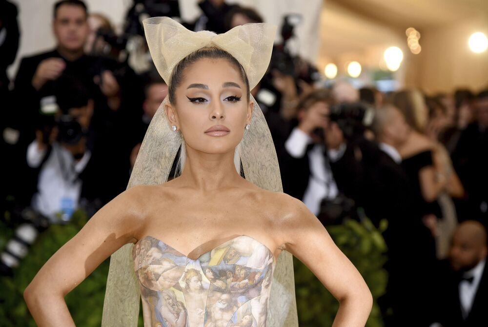 L'attrice e cantante americana Ariana Grande all'annuale Costume Institute Ball al Metropolitan Museum of Art di New York