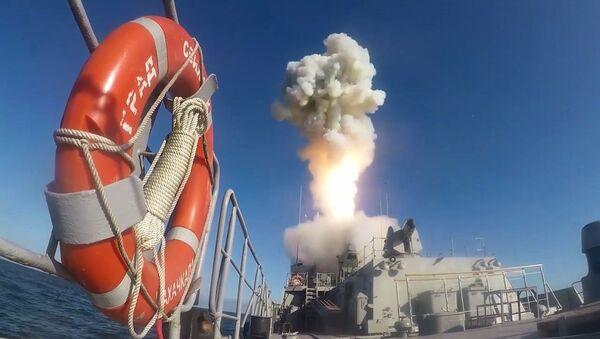 Le esercitazioni militari di contenimento chiamate 'Grom-2019', il lancio di Kalibr - Sputnik Italia