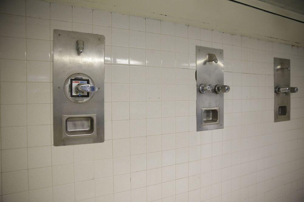 L'interno della prigione più grande del mondo Rikers Island a New York, USA