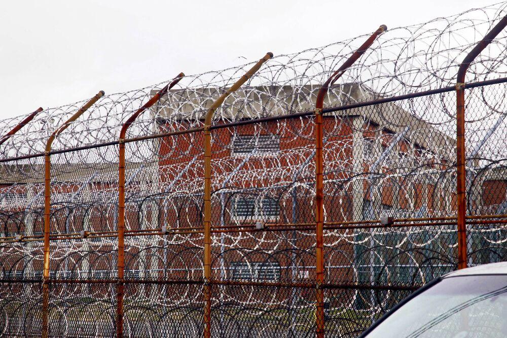 La prigione più grande del mondo Rikers Island a New York, USA