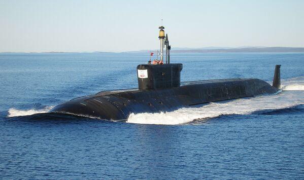 Il sottomarino nucleare Jurij Dolgorukij durante le prove di navigazione. - Sputnik Italia
