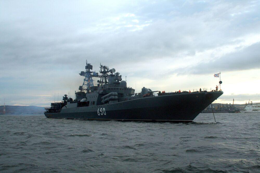 La nave antisommergibile Admiral Chabanenko della Flotta del Nord russa.