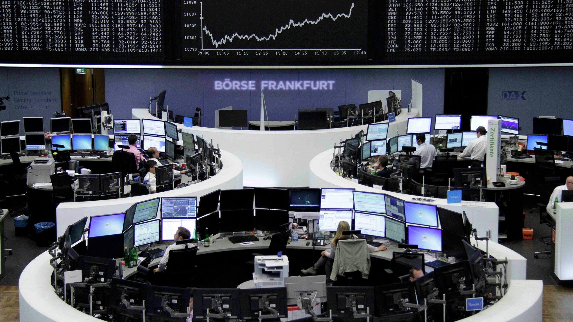 Borse europee preoccupate per l'ipotesi di contagio cinese, con Parigi sotto di due punti percentuale, così come Berlino - Sputnik Italia, 1920, 19.08.2021