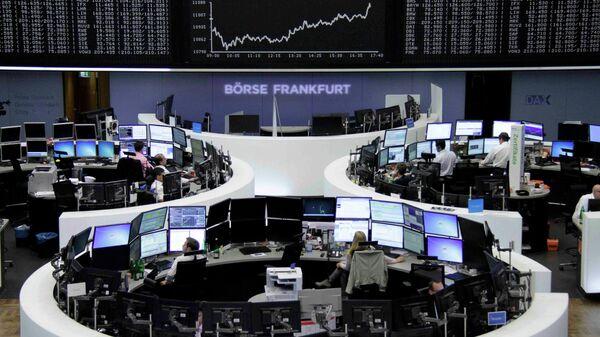 Borse europee preoccupate per l'ipotesi di contagio cinese, con Parigi sotto di due punti percentuale, così come Berlino - Sputnik Italia