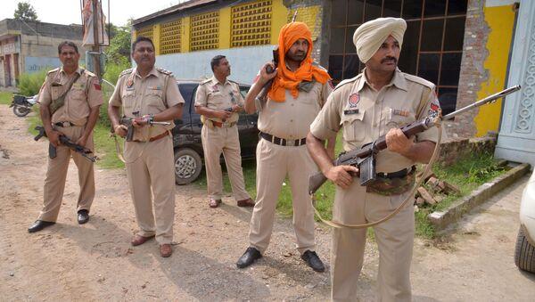 La polizia indiana a Punjab, India. - Sputnik Italia