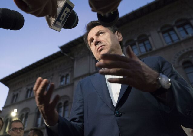 Il premier Conte durante il punto stampa del 19 ottobre a Perugia