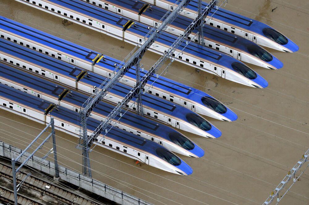La Stazione ferroviaria di Nagano, allagata dopo il tifone Hagibis.