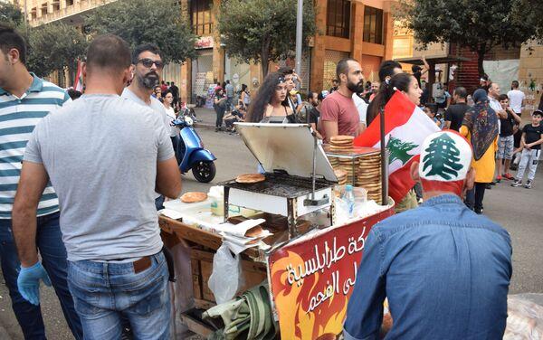 Tra i manifestanti a Beirut - Sputnik Italia