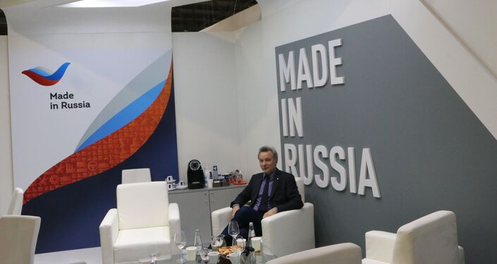 Evgeny Utkin allo stand di Russian Export Center in Italia