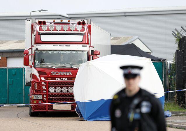 Сamion con 39 cadaveri di migranti ad Essex, Regno Unito