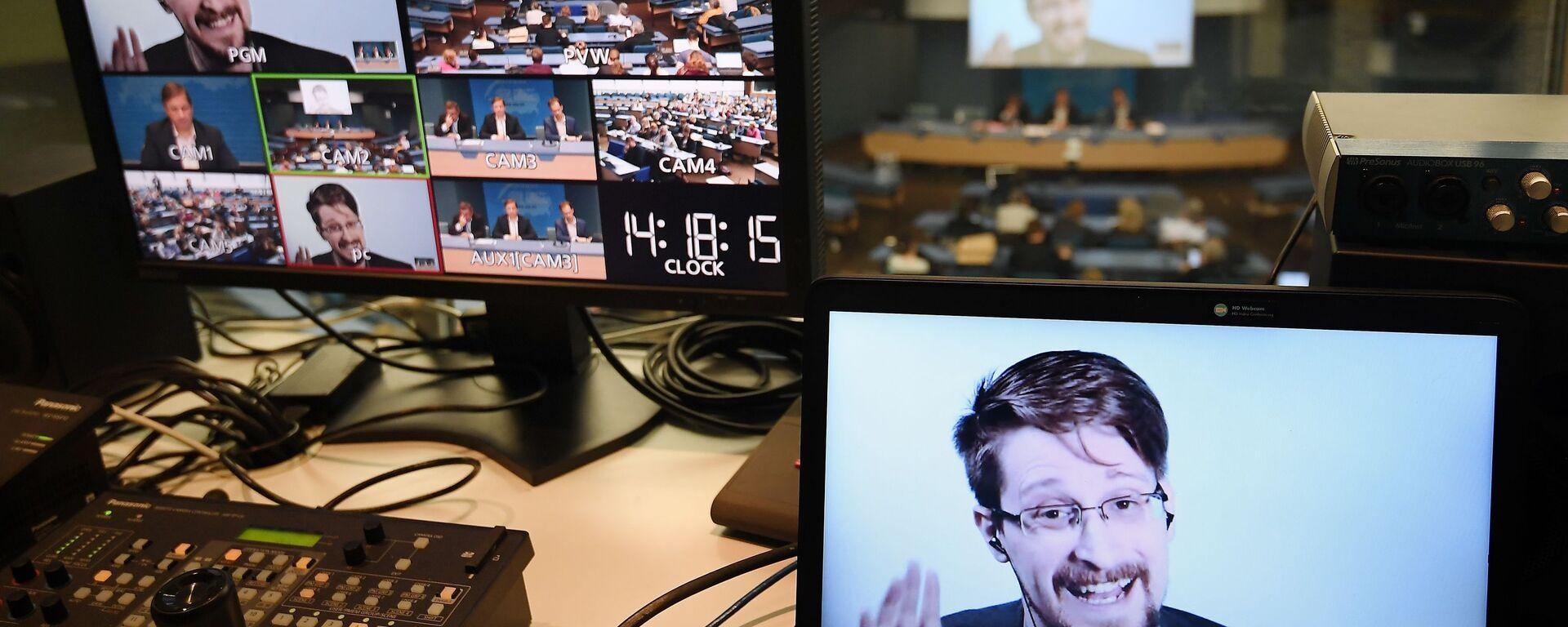 Edward Snowden - Sputnik Italia, 1920, 24.10.2019