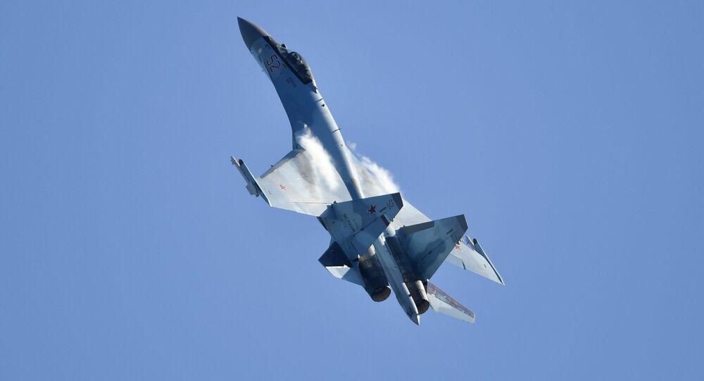 Caccia Su-35S (foto d'archivio)