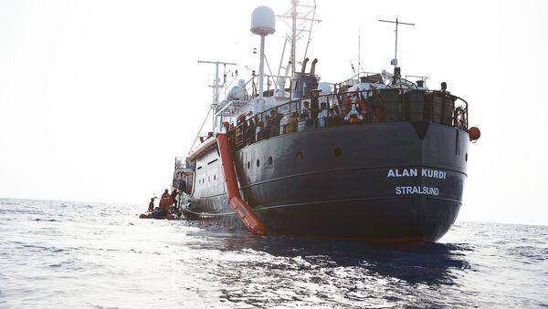 La nave Alan Kurdi - Sputnik Italia