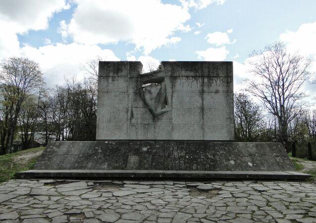 Memoriale ai soldati sovietici a Kuressaare, Estonia