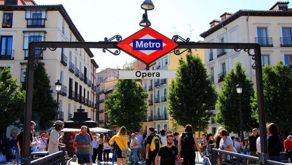 Entrata metro di Madrid - Sputnik Italia