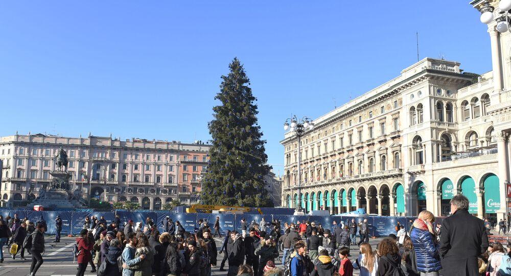 Addobbi natalizi sulla Piazza del Duomo a Milano