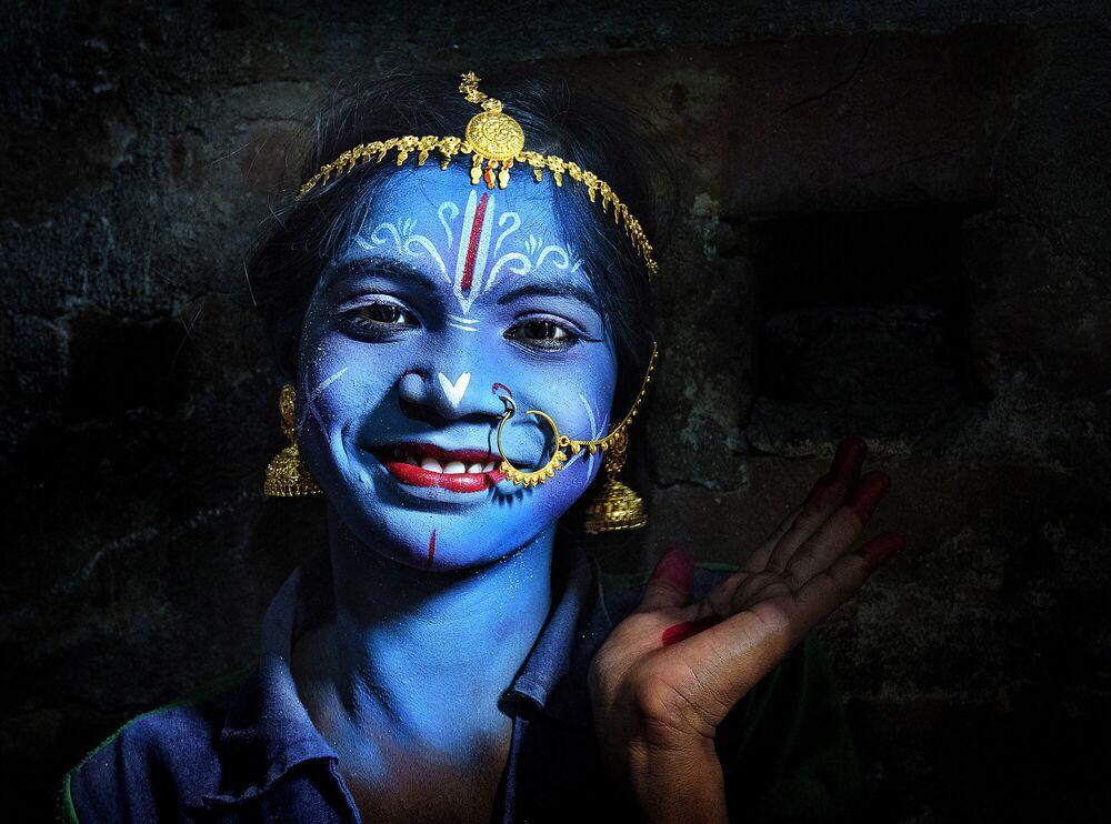 La foto 'Magia dei colori' presentata dal fotografo indiano Pranab Basak al concorso delle migliori foto del mondo #Blue2019
