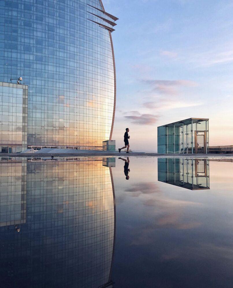 La foto 'En un món blau' presentata dal fotografo spagnolo Albert Castañe al concorso delle migliori foto del mondo #Blue2019
