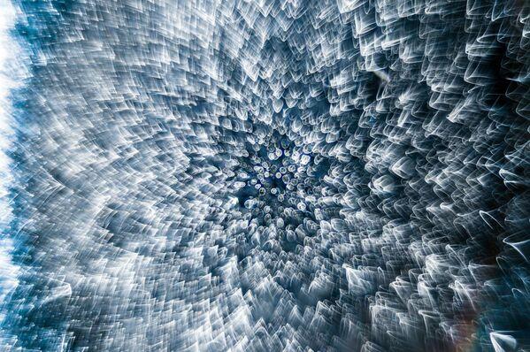 La foto 'Goccia d'acqua congelata' del fotografo Garzon Christian che ha ottenuto l' 8° posto al concorso fotografico Nikon Small World-2019 - Sputnik Italia