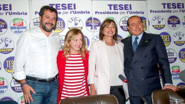Donatella Tesei, neo presidente umbro, insieme a Matteo Salvini, Giorgia Meloni e Silvio Berlusconi - Sputnik Italia